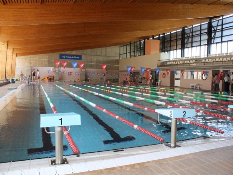 cursets de nataci a la piscina municipal escola josep
